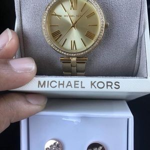 Mk woman's watch and earrings